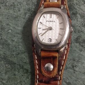 ⭐️Fossil Genuine Leather Stainless Steel Watch⭐️